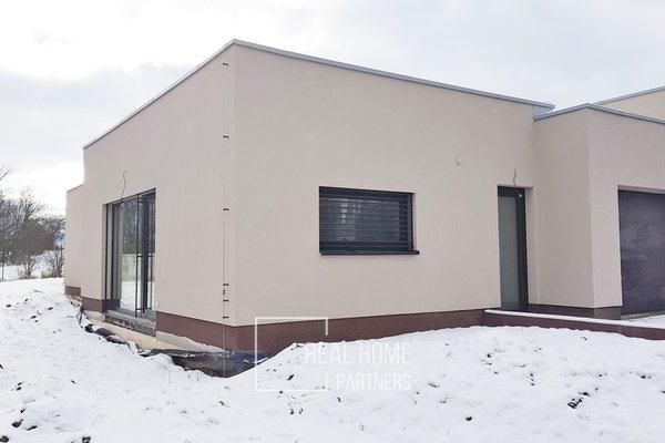 Pronájem novostavby RD 4+kk s garáží a terasou, CP 558 m², Modřice, Brno – venkov