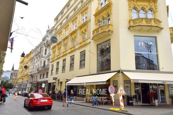 Pronájem, komerční prostory,  CP 385 m² , Brno - střed, Jakubské náměstí
