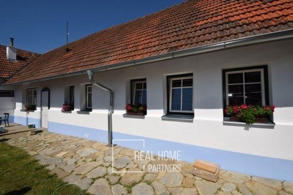 Prodej rodinný dům 4+kk 110 m2, parcela 437 m2, Hostěnice, Brno - venkov