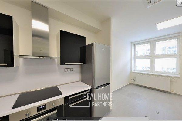 Pronájem, byt 1+kk, klimatizace, CP 35 m² , Brno - střed, Jakubské náměstí