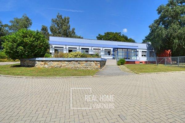 Prodej skladovacího areálu, 5000 m² - Mikulov