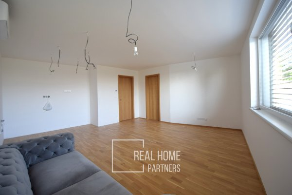 Prodej novostavba cihlový byt OV 2+kk s terasou, zahradou 60 m2, 2x parkovacím stáními, Brno - Královo Pole