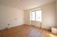 Prodej cihlový byt OV 2+kk 50 m2, s balkónem, zahradou 125 m2, Brno - střed