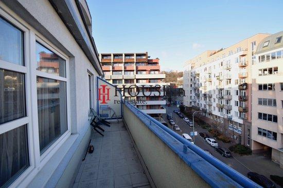 Pronájem, Byty 1+kk, 55m² - Praha - Vysočany