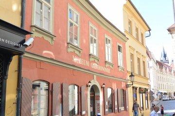 Pronájem bytů a obchodních prostor Praha 1, ul. Královodvorská