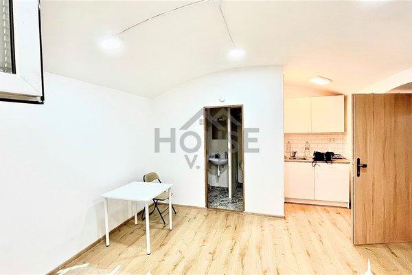 Prodej, Byty 1+kk,  21.6 m² - Praha - Vršovice