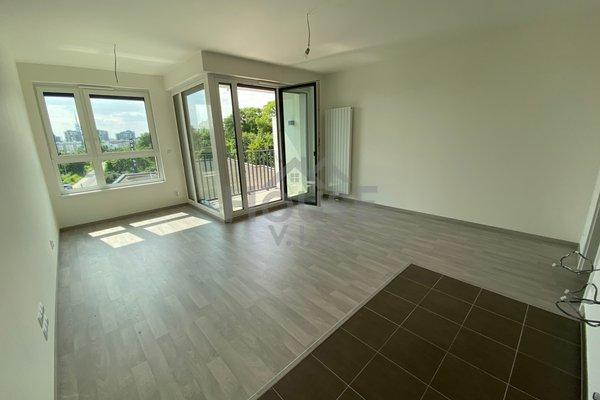 Prodej bytu 1+kk, 42 m²/L/S, Praha 3 - Žižkov.