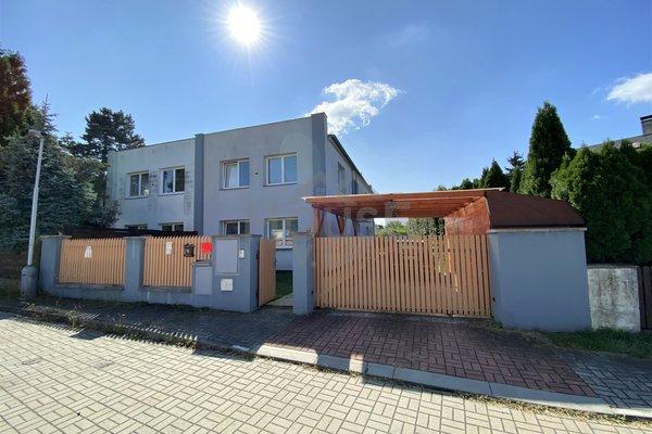 Prodej rodinného domu,  230 m², Praha 14 - Hostavice