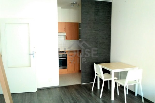Prodej bytu 2+kk, 40m² - Praha 14 - Kyje