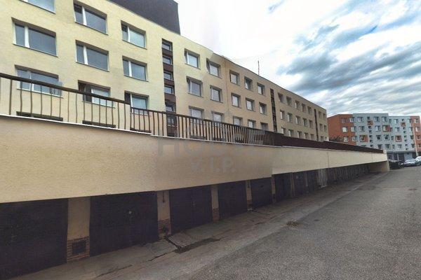 Pronájem, Byt 3+1, 77,1 m² s lodžií v  Praze - Jinonicích