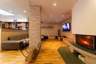 Prodej, Rodinné domy, 527 m² - Diváky, Ev.č.: 00177