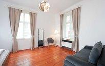 Pronájem hezkého bytu 2+kk, 40m² , Praha1,ul. Navrátilová