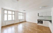 Pronájem bytu 1+kk, 38 m² s balkonem 3,5m2  Praha - Nové Město, Myslíkova