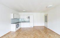 Pronájem bytu 2+kk, 69m² s balkonem, Praha - Nové Město,ul. Myslíkova