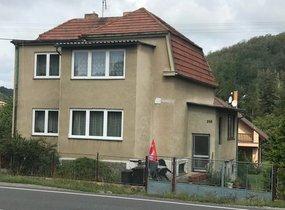 Prodej 2 rodinných domů,  Loděnice okr. Beroun, ul. Pražská