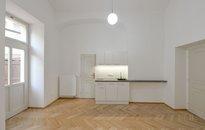 Pronájem bytu 1+kk, 46 m² s balkonem , Praha - Nové Město, ul. Na Struze