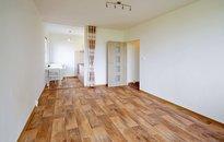 Pronájem zrekonstruovaného bytu 2+kk, 45 m², v Řepích