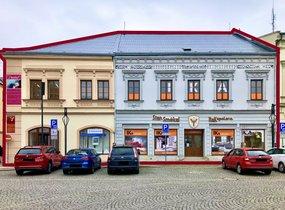 Prodej komerčního komplexu na náměstí, cca 2.000 m²