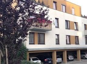 Pronájem bytu 2+kk, 60m² se zahrádkou 40m2, Praha - Štěrboholy, ul. Dragounská
