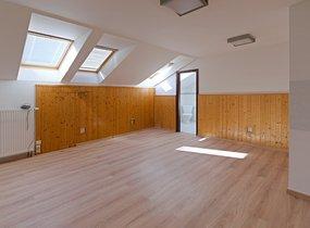 Pronájem kanceláře po rekonstrukci, 58 m2, 2x WC