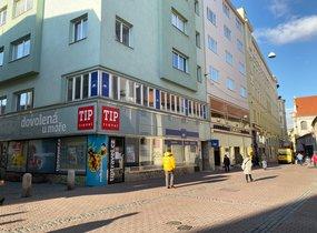 Pronájem, Obchodní prostory, 205m² - Brno-město