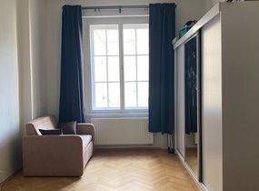 Pronájem bytu 2+1 o výměře 70 m2 v žádané lokalitě Prahy 6 - Bubeneč, ul. Charlese de Gaulla