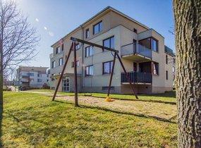 Pronájem hezkého zařízeného bytu 2+kk, o vel. 60m² s balkonem 7m2 , Praha - Štěrboholy, ul. Laudonova