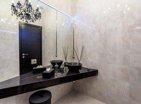 06_Toaleta s dvěma samostatnými WC