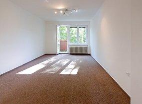 Pronájem bytu 2+1 s balkonem, 56 m2, u metra Skalka