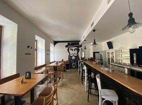 Přenechání úspěšné restaurace se zahrádkou (cca 385m²)