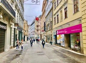 Pronájem obchodních prostor v pěší zóně (cca 450 m²)