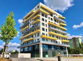 Pronájem nového ateliéru s balkonem o dispozici 3+kk (104,6 m²)