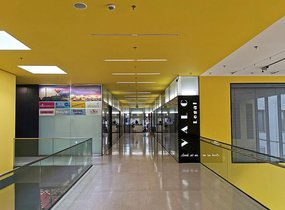 Pronájem, Obchodní prostory, 61 m²