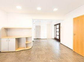 Prodej, kanceláře 566m², pozemek 361 m2 - Brno - Židenice