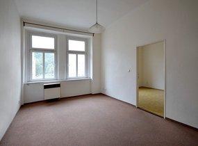 Slunný nezařízený byt 2+kk, Košíře, 48 m2
