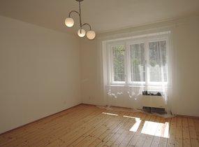 Pronájem krásné garsonky po rekonstrukci, 33 m2, Praha 4 Michle