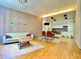 Pronájem zařízeného bytu 3+kk v centru Brna (cca 94m²)
