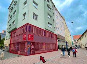 Pronájem rohového obchodu v pěší zóně (cca 205 m²)