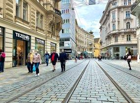 Pronájem obchodních prostor na pěší zóně (cca 450 m²)