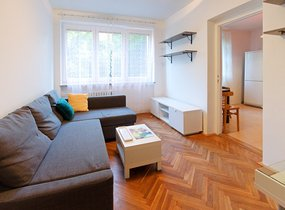 Zařízený byt 2+1, 51 m2, bezproblémové parkování