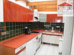 K pronájmu nabízíme podkrovní byt 5+2, 160 m2, Praha 5 - Smíchov