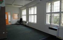 K pronájmu atypický 4+1 ve vnitroblokové stavbě, 140 m2, Praha 3 - Vinohrady