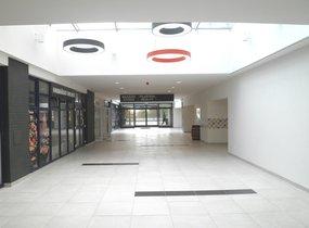 K pronájmu nabízíme reprezentativní obchodní prostor o velikosti 38m2