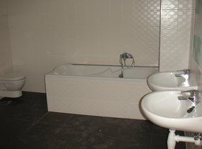 Maresova E - koupelna 2. s vanou