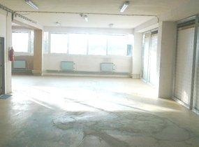 Nabízíme k pronájmu suchý, vytápěný sklad o velikosti 380 m2 v Praze 9