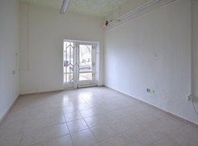 Pronájem obchodu Praha 8 - sídliště Bohnice, 15 m2