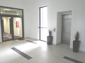 K pronájmu nabízíme reprezentativní kanceláře o velikosti 59m2 v Praze 5