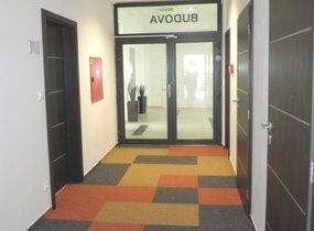 Nabízíme k pronájmu reprezentativní kancelář o velikosti 24m2 na Praha 5
