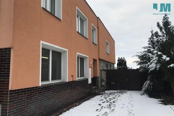 Prodej rodinný dům, jatka, Mohelno, 2 bytové jednotky