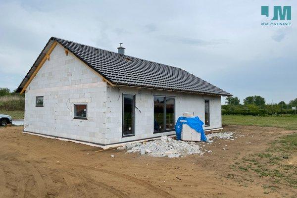 Prodej, Rodinné domy, 107m² - Hevlín, pozemek 1000 m2